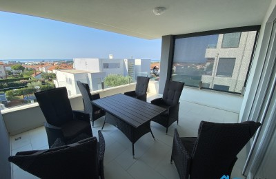 Comfortable apartment with beautiful seaview in Novigrad