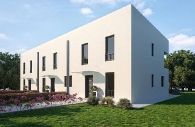 Haus mit Dachterrasse in Novigrad (00522) | MIN Immobilienagentur in ...