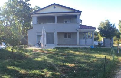 Haus mit garten  Haus mit Garten in Babici (00331) | MIN Immobilienagentur in ...
