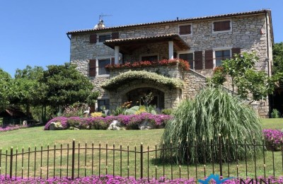 Istrian stone house with a beautiful garden